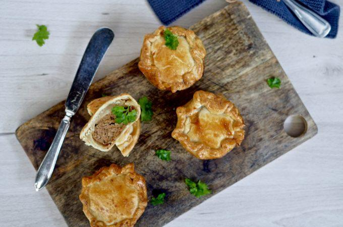 Possupiirakat ( pork pie)